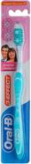Oral-B 3-Effect Деликатное Отбеливание зубная щетка